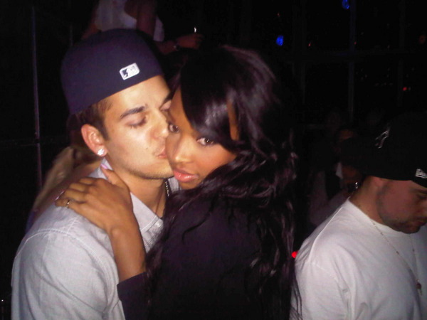 Who is dating rob kardashian